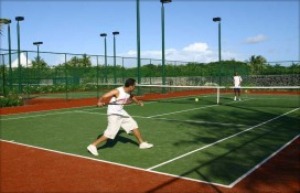 tennis-at-constance-belle-mare-plage.jpg